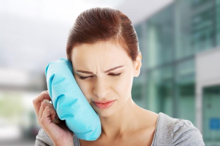 مراقبت پس از کاشت ایمپلنت دندانی